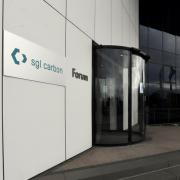 Die SGL Carbon, die über einen Standort in Meitingen verfügt, steigt in den SDax auf.