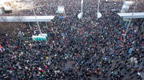 """Tausende nahmen an der """"Querdenken""""-Demo in Leipzig teil."""