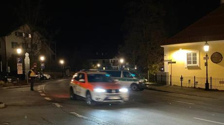 In Tegernsee nahm ein Mann seine Ehefrau als Geisel und tötete sie. Er wurde von der Polizei erschossen.