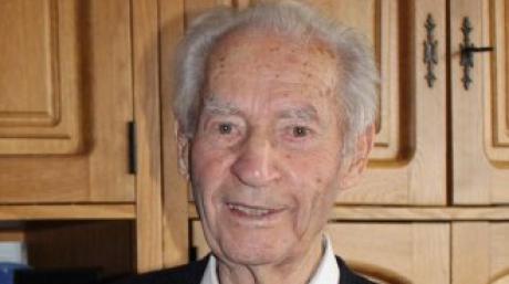 Der Ehrenvorsitzende des SSV  Margertshausen, Jakob Straßer, ist gestorben.