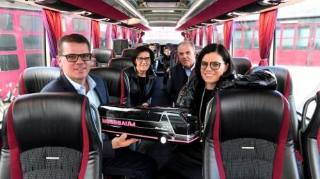 Seit 50 Jahren ist das Busunternehmen Nussbaum in Biburg in Familienhand. Das Bild zeigt von links Markus, Maria, Franz und Katja Fleiner.