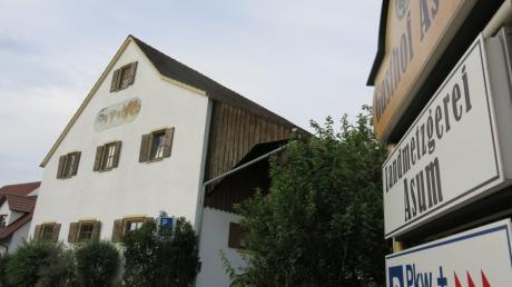 Was passiert auf dem Grundstück des Landgasthof Asum in Laimering? Nachbarn, Gemeinde und Eigentümer ringen um eine Lösung.