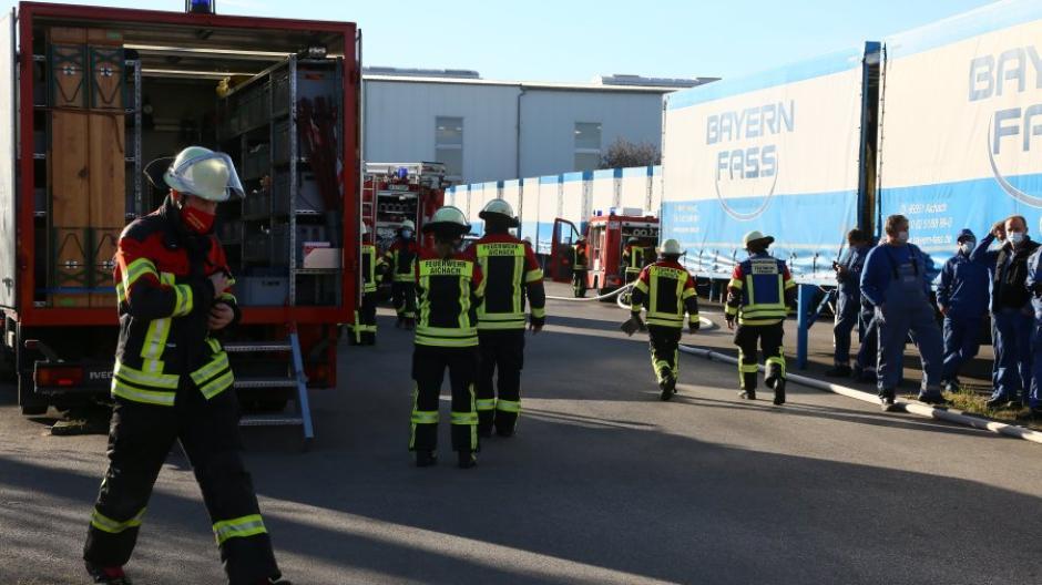 Aichach Ecknach Schwelbrand Bei Bayern Fass In Ecknach So Lief Der Einsatz Ab Aichacher Nachrichten