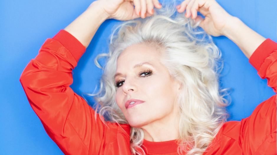 """Sängerin Ina Müller hat ein neues Album herausgebracht. Hier erzählt sie von ihrer Jugend und auch vom """"ersten halben Mal""""."""