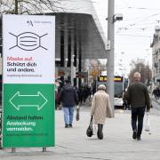 Die Stadt Augsburg sieht sich wegen weiterhin hoher Corona-Infektionszahlen gezwungen zu handeln und verschärft die Richtlinien.