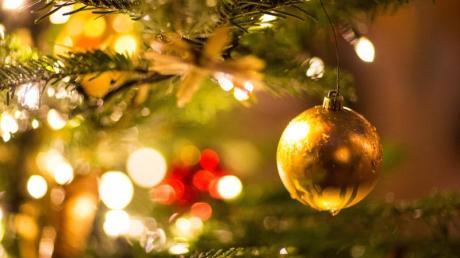 Selbst wenn es vor Weihnachten noch zu Corona-Lockerungen kommt, auf ein Fest in großer Runde müssen Familien wohl verzichten.