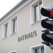Altenstadter Gemeinderat in der Quarantäne: Jetzt hat Bürgermeister Höß einen Eilantrag an das Gericht gestellt.