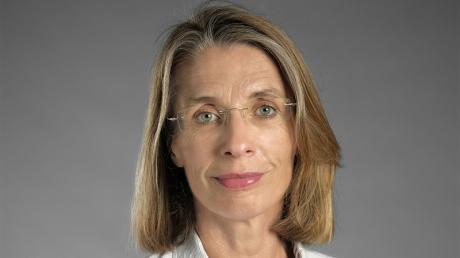 Martina Benecke ist Professorin für Bürgerliches Recht, Handels-, Arbeits- und Wirtschaftsrecht an der Juristischen Fakultät der Universität Augsburg.