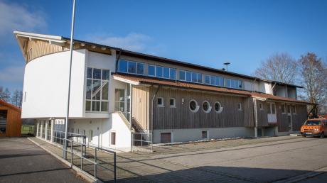 Die Mehrzweckhalle in Apfeldorf soll saniert und erweitert werden und künftig als Dorfgemeinschaftshaus dienen.