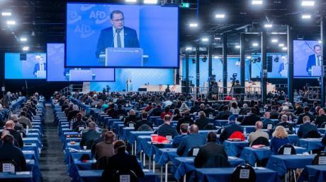 Tino Chrupalla, Bundesprecher, eröffnet den Bundesparteitag der AfD.