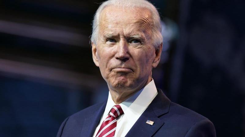 Joe Biden hat sich beim Spielen mit dem Hund verletzt