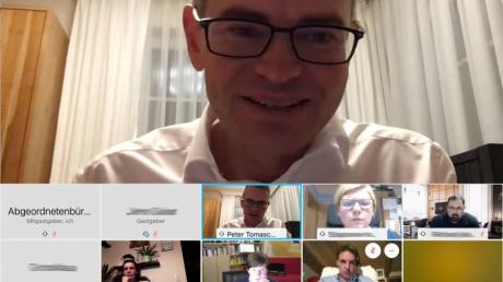 Der Landtagsabgeordnete Peter Tomaschko diskutierte per Videokonferenz mit den Bürgern über aktuelle Themen.