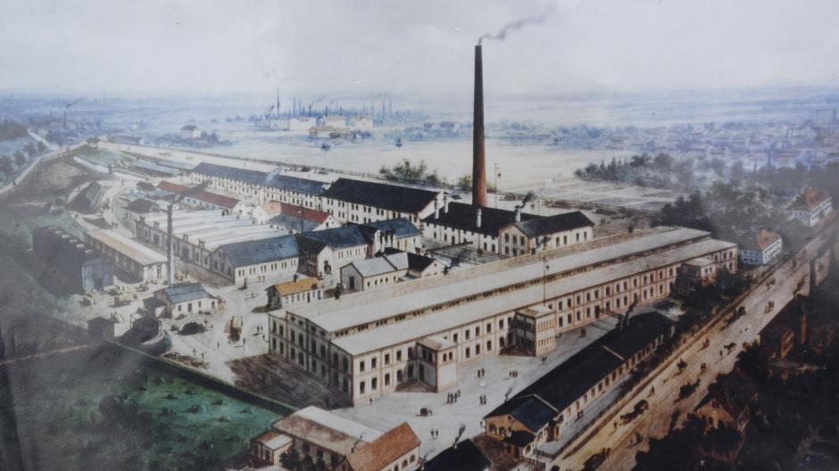 Eine alte Zeichnung zeigt, wie die Chemische Fabrik Pfersee früher einmal ausgesehen hat. Die Nationalsozialisten wollten den Betrieb schon 1933 arisieren.