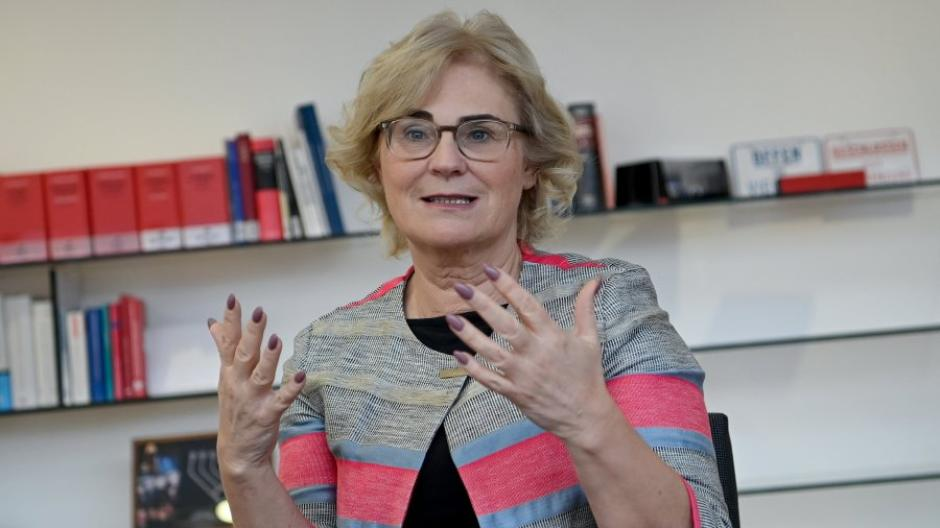 Wie der Gesundheitsminister unterstreicht auch Justizministerin Christine Lambrecht von der SPD, dass es in Deutschland keine Covid-19-Impfpflicht geben werde.