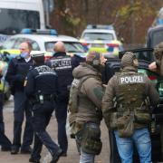Zahlreiche Polizisten, Rettungskräfte und ehrenamtliche Helfer waren im Einsatz.