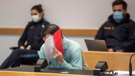 Der Augsburger Staatsanwalt Michael Nißl forderte lebenslange Haft und die Festsetzung der besonderen Schwere der Schuld gegen Nabi S.