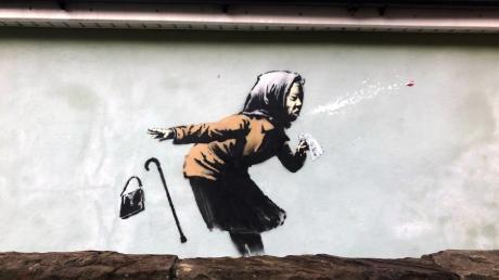 Ein Graffiti ist auf einer Wand in der Vale Street aufgetaucht sind. Es könnte sich um das neueste Kunstwerk des Straßenkünstlers Banksy handeln.