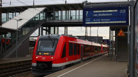"""Auf der Staudenbahn verkehren künftig  Triebwagen vom Typ Lint. Der Name steht für """"leichter innovativer   Nahverkehrstriebwagen""""."""