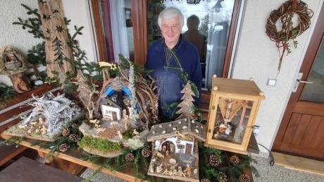 Hat in den vergangenen Jahren in seiner Werkstatt mehr als 50 Krippen geschnitzt: Helmut Schuster.