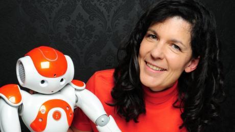 Die Augsburger Informatik-Professorin Elisabeth André forscht im Bereich Künstlicher Intelligenz.
