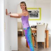 """Wie Fitness in in den eigenen vier Wänden funktioniert, erfahren Sie in der Serie """"Locker durch den Lockdown""""."""