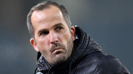 Fußball-Bundesligist FCSchalke 04 hat sich übereinstimmenden Medienberichten zufolge von Trainer Baum getrennt.
