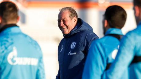 Trainer-Legende Huub Stevens betreut nun das Schalke-Team.