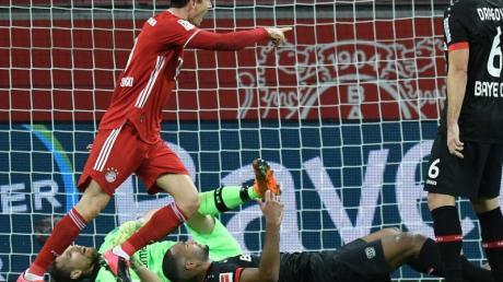 Ein Doppelpack von Lewandowski beschert den Bayern die Tabellenführung.