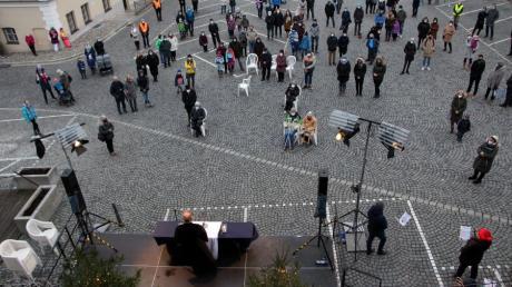 Der Weihnachtsgottesdienst 2020 der evangelischen Pfarrei Zum Guten Hirten Friedberg fand auf dem Marienplatz statt.