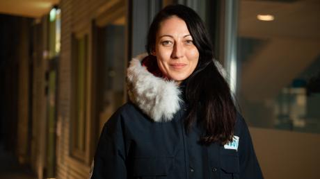Zum täglichen Bedarf in der Arktis gehört auch Ausrüstung, die das Überleben in der eisigen Kälte sichert. Sechs Wochen lang war Katharina Weiss-Tuider, die in Wittislingen aufgewachsen ist, an der Jahrhundert-Expedition Mosaic beteiligt.