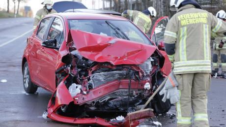 Am Mittwocnachmittag ereignete sich ein schwerer Verkehrsunfall auf der B2 Höhe Merching.