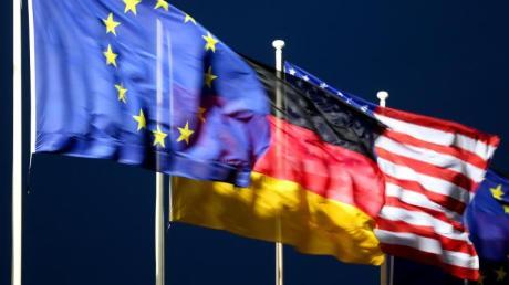 Die Strafzölle zwischen EU und USA werden vorläufig ausgesetzt.