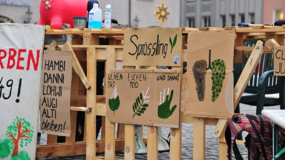 Seit rund einem Jahr steht das Klimacamp auf dem Augsburger Fischmarkt.