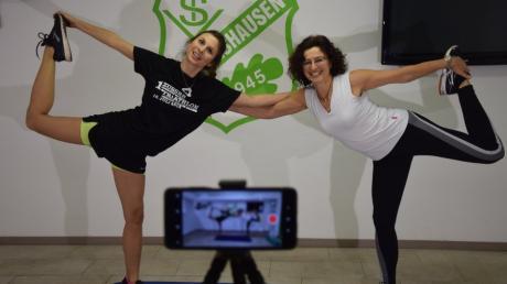 Einfach nur auf einem Bein stehen. Natalie Stöckle und Sonja Spreng bieten ab 7. Januar auf der Homepage des TSV Zusmarshausen einen Video-Live-Stream an.