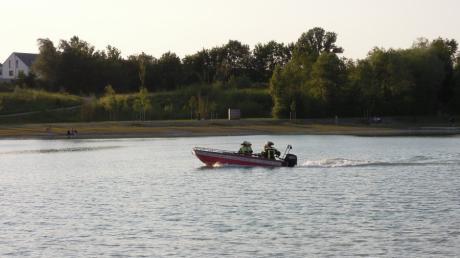 Das Boot der Langweider Feuerwehr kam bei zwei Wasserrettungen  zum Einsatz.