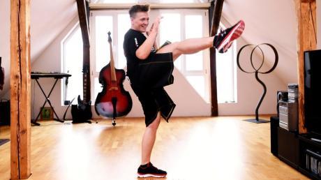 Beim Kickbox-Workout mit Weltmeisterin Tina Schüssler werden Arme und Beine beansprucht.