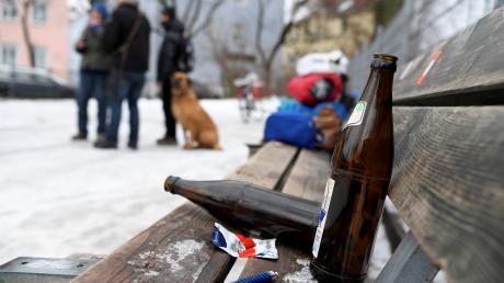 Vielen Jugendlichen fehlt aufgrund der Beschränkungen zurzeit eine Anlaufstelle. Illegale Treffen, bei denen auch Alkohol konsumiert wird, nehmen daher zu.