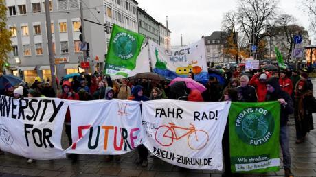 Die Klimaschützer von Fridays for Future veranstalteten in Augsburg bereits mehrere Demos, etwa am Königsplatz.