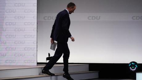 Der frühere Vorsitzende der Unionsfraktion und Kandidat um den Parteivorsitz, Friedrich Merz, verlässt die Bühne nach seiner Rede beim digitalen Bundesparteitag der CDU.  Es dürfte sein letzter Versuch gewesen sein, in der CDU wieder an die Spitze zu kommen.