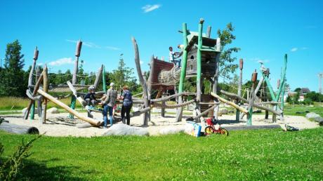 Immer gut frequentiert: Der Spielplatz Biberburg im Stadtgarten zwischen Flutgraben und Paar. Er gehört zu den städtischen Spielplätzen, die der zuständige Referent unter die Lupe genommen hat.