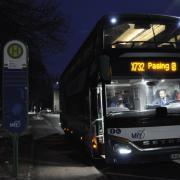 Um 7.24 Uhr fährt der Expressbus nach München-Pasing in Dasing ab. Karsten Fiedler hat anfangs nur einen einzigen Fahrgast.
