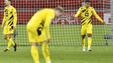 Nach der Niederlage in Leverkusen wächst die Kritik an den Profis von Borussia Dortmund.