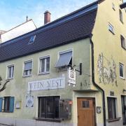 Das ehemalige Weinnest in der Friedberger Bauernbräustraße steht seit 2018 leer.