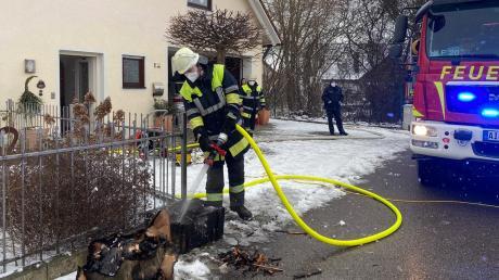 Die Pöttmeser Feuerwehr ist am Dienstagnachmittag zu einem Kellerbrand nach Grimolzhausen ausgerückt.