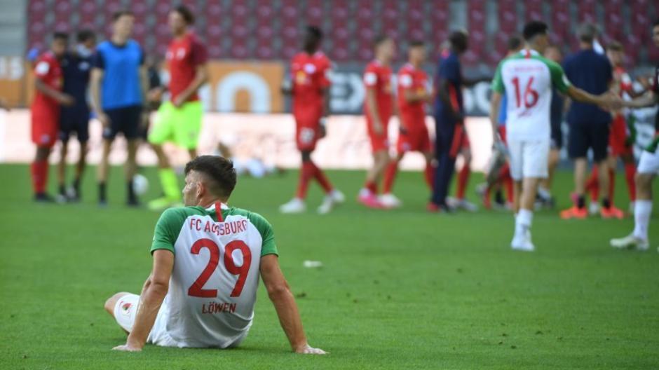 Ohne die FCA-Fans im Rücken ist es schwerer: Gerade Mannschaften wie dem FC Augsburg gelingt es in Geisterspielen seltener, gegen Top-Teams zu gewinnen.