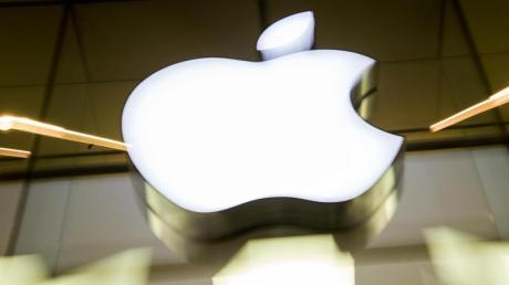 Apple überschreitet erstmals die Marke von 100 Milliarden Dollar Quartalsumsatz.