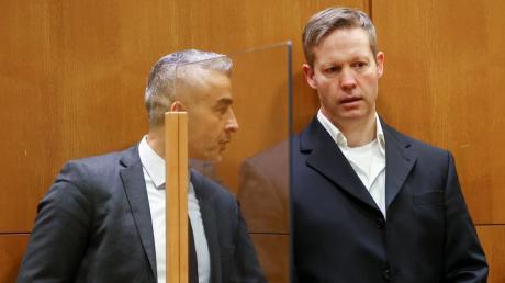 Die Richter sahen es als erwiesen an, dass Stephan Ernst (rechts) in der Nacht zum 2. Juni 2019 Walter Lübcke auf dessen Terrasse erschossen hat. Links: Ernsts Anwalt Mustafa Kaplan.