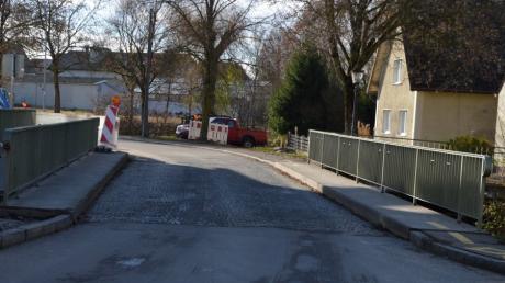 Brücke an der Mittelschule in Gundelfingen muss saniert werden.