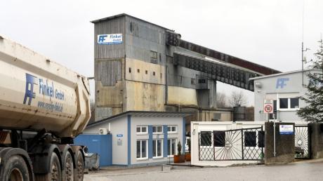 Die Hirblinger Firma Finkel will auf Gablinger Flur eine Presse für künstliche Mineralfasern errichten. Der Gablinger Gemeinderat ist bei diesem Vorhaben skeptisch.