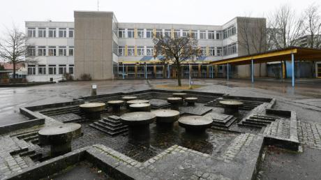 Die Mittelschule in Langweid soll neu gebaut werden. Nun hat auch die Fritz-Felsenstein-Schule Interesse an einem Standort in dieser Gemeinde angemeldet.